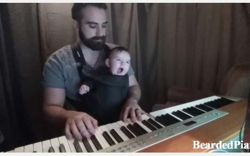 一位老外爸爸試圖想彈琴哄寶寶睡覺,原以為他想搞笑沒想到他一彈便震驚了所有人!